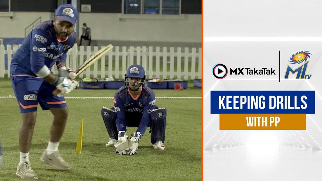 Parthiv gives Ishan wicketkeeping training   पार्थिव ने इशान को दी ट्रेनिंग   IPL2021