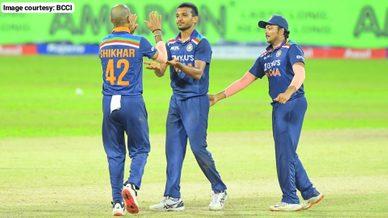 Team India lose third ODI, win series 2-1